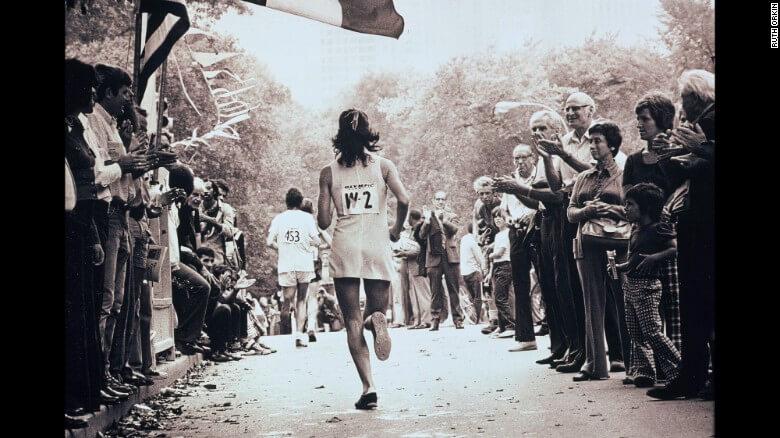 170417155637-kathrine-switzer-nyc-marathon-1974-restricted-exlarge-169 (1)