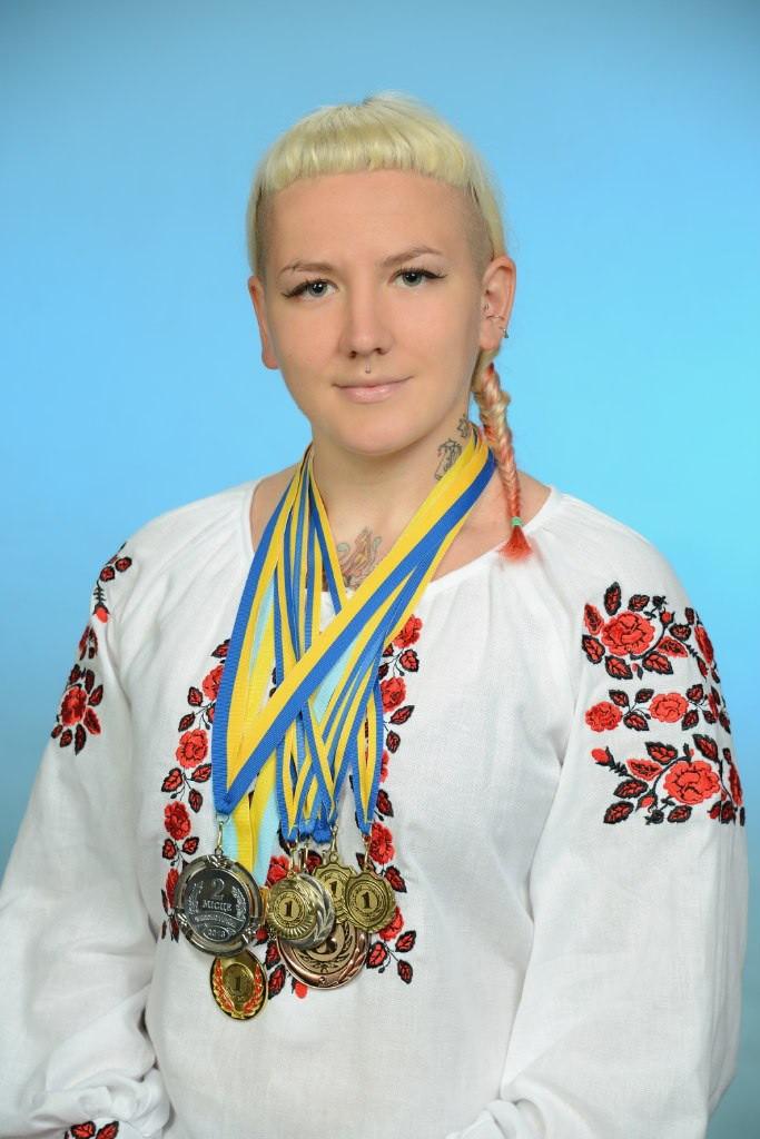 Спорт і нагороди: Вікторія Дильов, майстриня спорту України з панкратіону