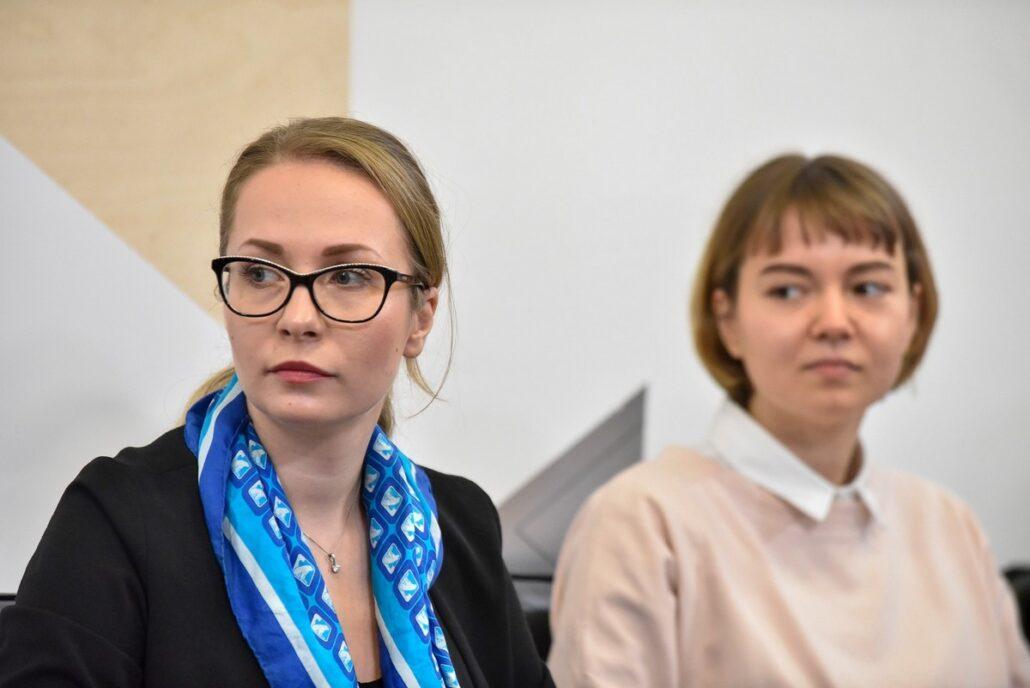 Олександра Голуб із колежанкою